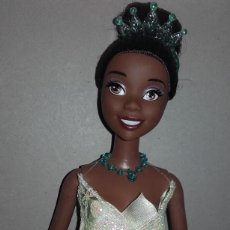 Barbie y Ken: MUÑECA BARBIE NEGRA PRINCESA TIANA Y EL SAPO DISNEY. Lote 107826971