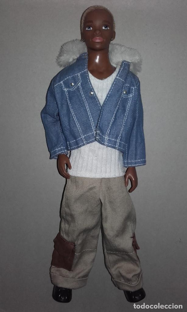 Barbie y Ken: MUÑECO NEGRO TRE FLAVAS MATTEL 2003 CON ROPA DE ORIGEN TAMAÑO BARBIE KEN - Foto 4 - 107827251