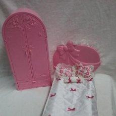 Barbie y Ken: CAMA MUÑECA BARBIE GLAMOUR BED COMPLETA Y ARMARIO - MATTEL AÑO 1987 MADE IN ITALY . Lote 107934663
