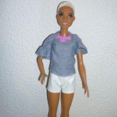 Barbie y Ken: BARBIE FASHIONISTA CHIC CHAMBRAY-Nº82-NUEVA-2015 MATTEL1186MJ.1.NL. Lote 112055639