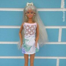 Barbie y Ken: MUÑECA SINDY LUZ Y COLOR DE HASBRO 1991. Lote 113116707