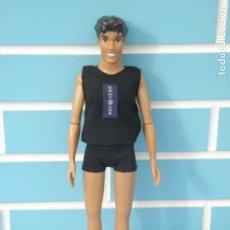 Barbie y Ken: MUÑECO KEN PRÍNCIPE NAVEEN DE TIANA Y EL SAPO DE DISNEY STORE. Lote 113116911