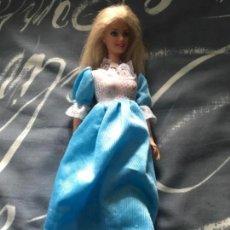 Barbie y Ken: ANTIGUA MUÑECA BARBIE VESTIDO AZUL MATTEL 1998. Lote 117023295