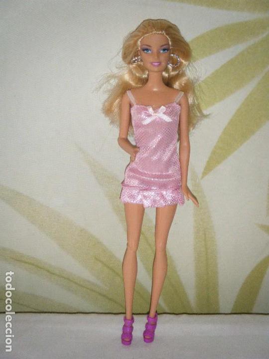 BARBIE DE MATTEL 2009. COMPLETAMENTE ORIGINAL (Juguetes - Muñeca Extranjera Moderna - Barbie y Ken)