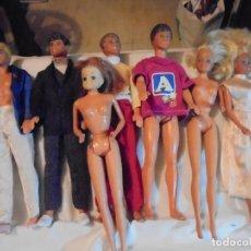 Barbie y Ken: LOTE DE 4 MUÑECOS KEN DOS BARBIES Y OTRA MUÑECA LEER DESCRIPCION Y VER FOTOS. Lote 125097507