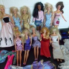 Barbie y Ken: LOTE 11 MUÑECAS BARBIE + VESTIDOS + ACCESORIOS TAL COMO VEN EN LAS FOTOS, VER DESCRIPCION...R-9781. Lote 126719359