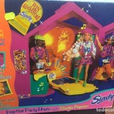 Barbie y Ken: CASA DISCOTECA SINDY NO BARBIE. Lote 126726419