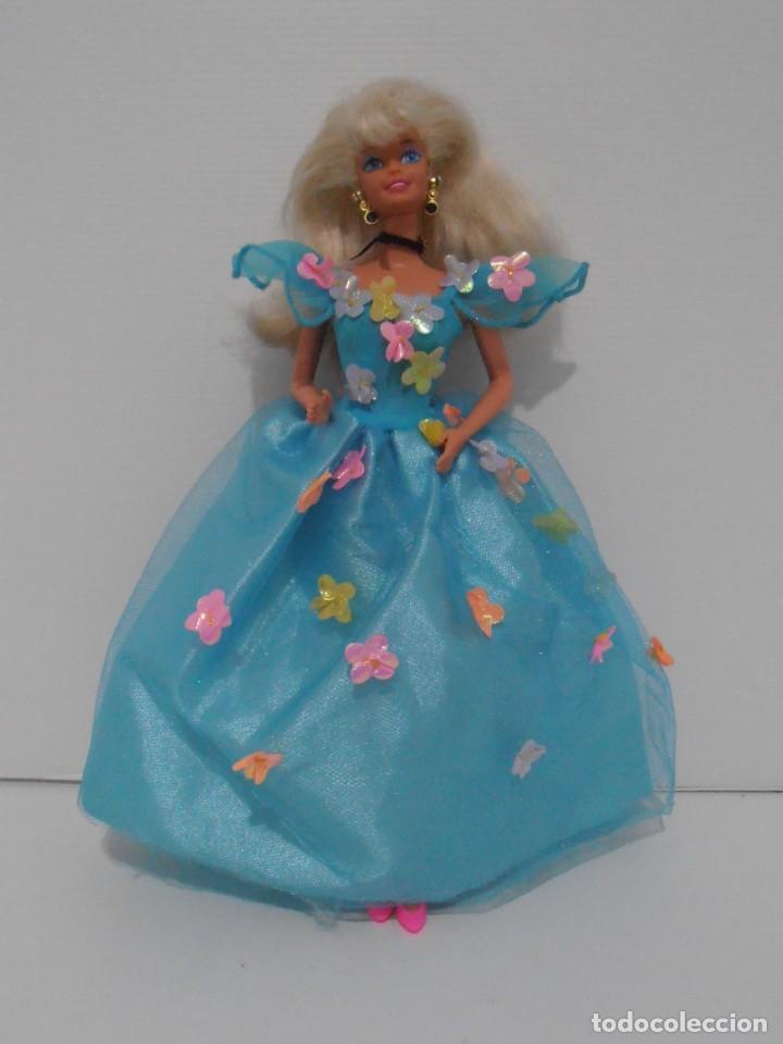 MUÑECA BARBIE MATTEL, VESTIDO AZUL CON FLORES, COMPLEMENTOS, AÑOS 90, MUY BUEN ESTADO (Juguetes - Muñeca Extranjera Moderna - Barbie y Ken)