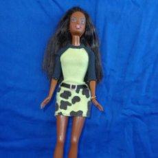 Barbie y Ken: BARBIE - BONITA BARBIE NEGRITA EN LA NUCA MATTEL INC 1990, VESTIDA DE ORIGEN VER FOTOS! SM. Lote 132286410