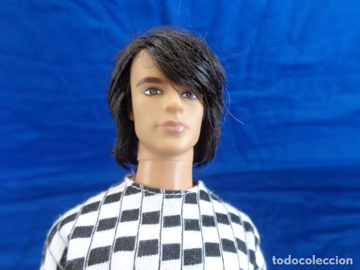 KEN - BONITO MUÑECO KEN EN LA NUCA MATTEL INC 2005 CON MECANISMO, VER FOTOS Y DESCRIPCION! SM (Juguetes - Muñeca Extranjera Moderna - Barbie y Ken)