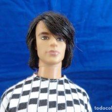 Barbie y Ken: KEN - BONITO MUÑECO KEN EN LA NUCA MATTEL INC 2005 CON MECANISMO, VER FOTOS Y DESCRIPCION! SM. Lote 164785060