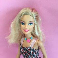 Barbie y Ken: BARBIE 1999 MECHA ROSA EN EL PELO. Lote 142873552