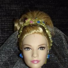 Barbie y Ken: MUÑECA MATTEL CENICIENTA NOVIA. Lote 143759270