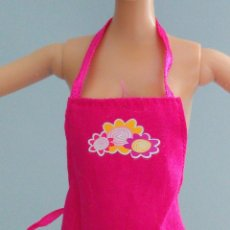 Barbie y Ken: ROPA BARBIE DELANTAL. Lote 143768838