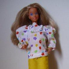 Barbie y Ken: ANTIGUA BARBIE MAMÁ FAMILIA CORAZÓN AÑOS 80 HECHA EN ESPAÑA CON ROPA ORIGINAL. Lote 143788762