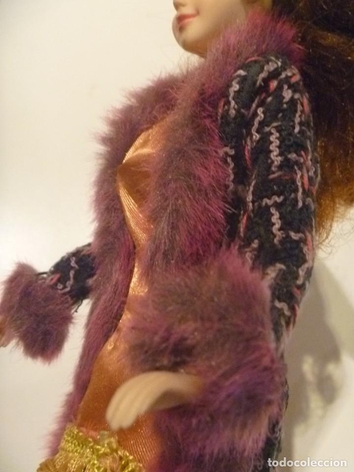 Barbie y Ken: BARBIE MUÑECA ARTICULADA VESTIDO DE GALA Y ABRIGO DISEÑO ESTILO PELÍCULA DISNEY OPORTUNIDAD - Foto 4 - 146674946