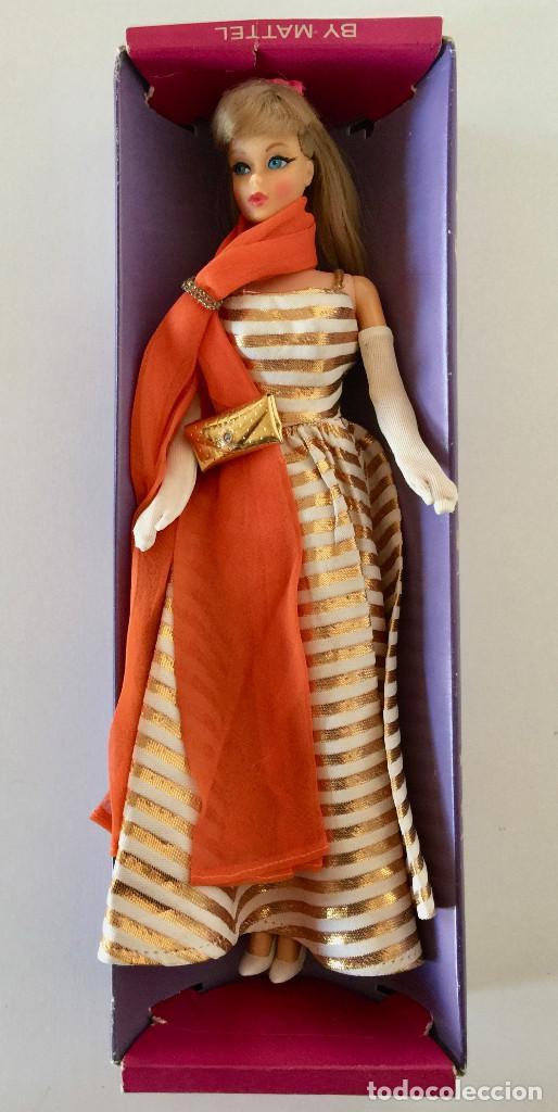Barbie y Ken: BARBIE RUBIA MATTEL 1965-67 ORIGINAL VINTAGE VESTIDO GALA LAMÉ PAÑUELO LARGO BOLSO GUANTES ZAPATOS - Foto 2 - 150437946
