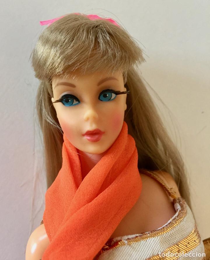 Barbie y Ken: BARBIE RUBIA MATTEL 1965-67 ORIGINAL VINTAGE VESTIDO GALA LAMÉ PAÑUELO LARGO BOLSO GUANTES ZAPATOS - Foto 3 - 150437946