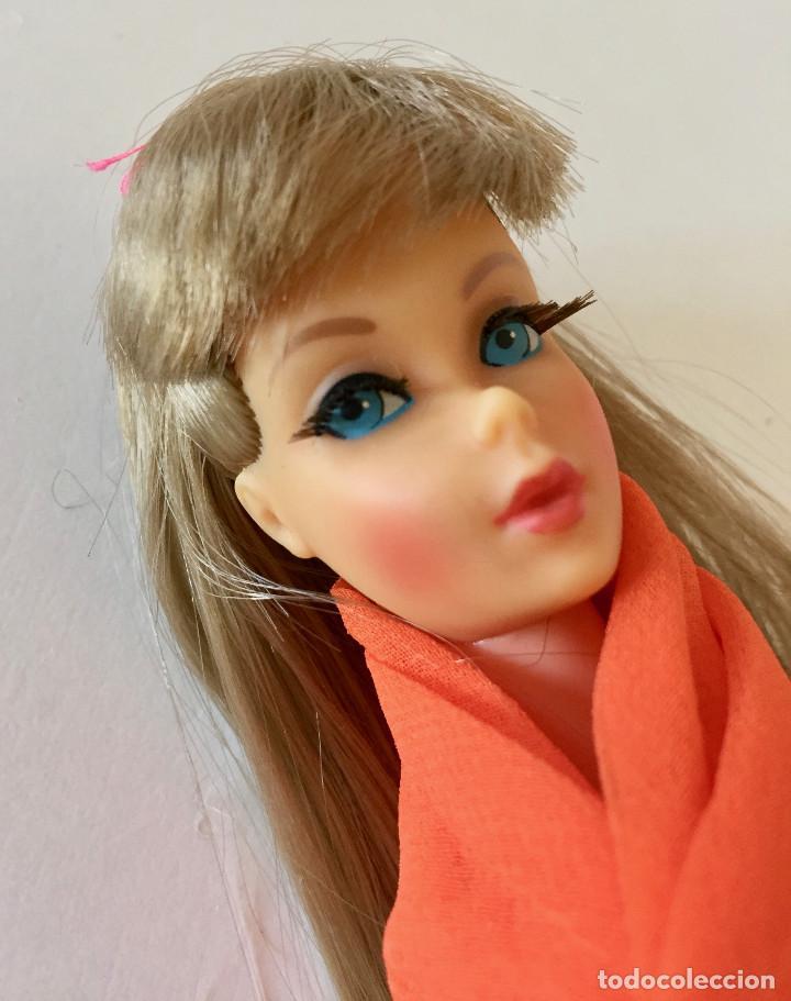 Barbie y Ken: BARBIE RUBIA MATTEL 1965-67 ORIGINAL VINTAGE VESTIDO GALA LAMÉ PAÑUELO LARGO BOLSO GUANTES ZAPATOS - Foto 4 - 150437946