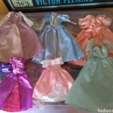 Barbie y Ken: LOTE VESTIDOS BARBIE DE PRINCESAS. Lote 150965353