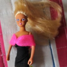 Barbie y Ken: MUÑECA MINI BARBIE AÑOS 90. Lote 151333058