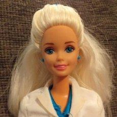 Barbie y Ken: BARBIE DENTISTA RUBIA. Lote 152032810