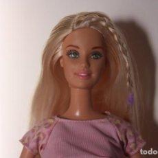 Barbie y Ken: WASH N WEAR BARBIE CON CAMISETA ORIGINAL - MATTEL, 2002. Lote 155183022
