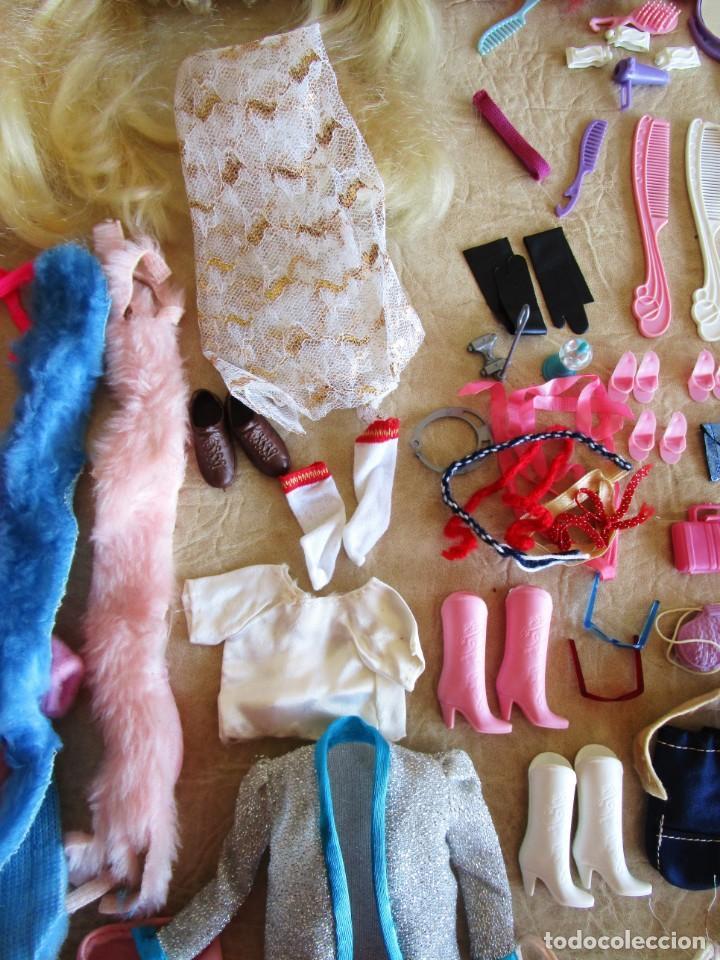 Barbie y Ken: LOTE ROPA BARBIE CONGOST 42 PIEZAS MUCHOS ACCESORIOS 2 KENS 5 CABEZAS BARBIE AÑOS 60 - Foto 2 - 158582596