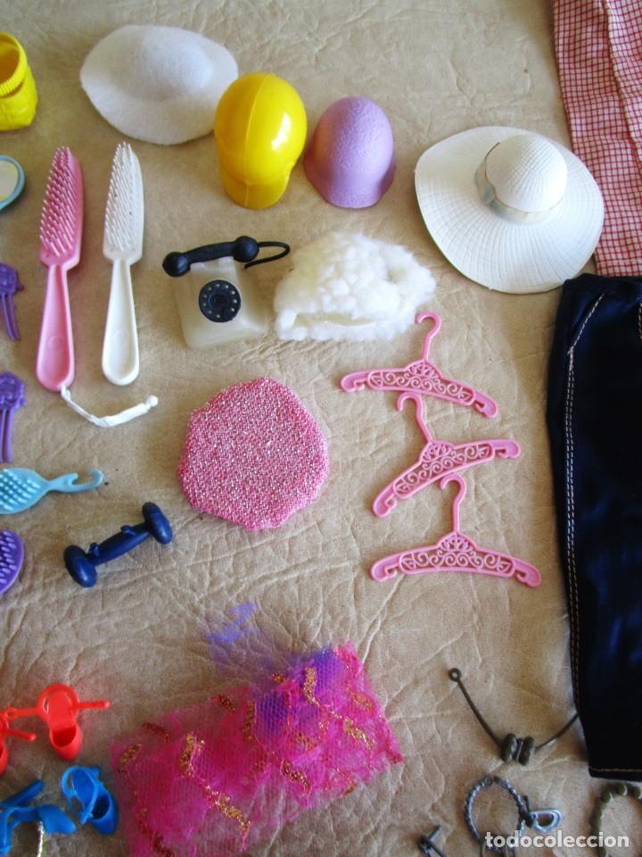 Barbie y Ken: LOTE ROPA BARBIE CONGOST 42 PIEZAS MUCHOS ACCESORIOS 2 KENS 5 CABEZAS BARBIE AÑOS 60 - Foto 17 - 158582596