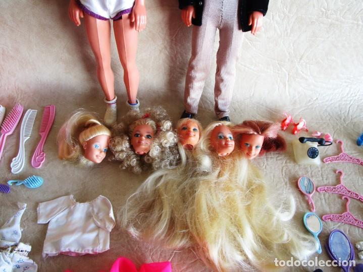 Barbie y Ken: LOTE ROPA BARBIE CONGOST 42 PIEZAS MUCHOS ACCESORIOS 2 KENS 5 CABEZAS BARBIE AÑOS 60 - Foto 36 - 158582596