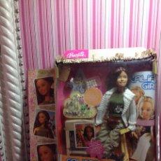 Barbie y Ken: BARBIE CALIFORNIA GIRL PENDIENTES DE VERANO DE DISEÑO.. Lote 160372877