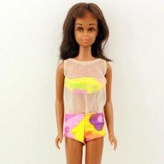 Barbie y Ken: TWIST N TURN BLACK FRANCIE - 1967 - MADE IN JAPAN - TODA ORIGINAL - MUY DIFICIL - NEGRA. Lote 163969786