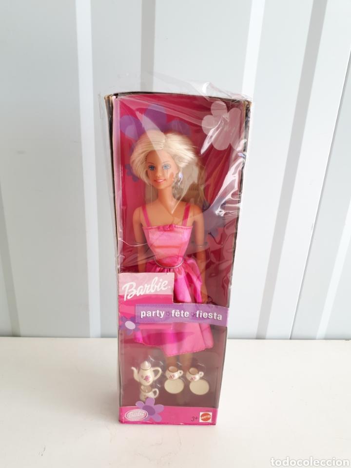 BARBIE FIESTS CON JUEGO DE CAFE EN CAJA A ESTRENAR LEER DESCRIPCION (Juguetes - Muñeca Extranjera Moderna - Barbie y Ken)