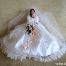 Barbie y Ken: MUÑECA BARBIE CON VESTIDO DE NOVIA Y RAMO MATTEL 1998. Lote 29334698