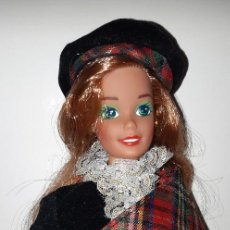 Barbie y Ken: MUÑECA BARBIE PELIRROJA MUÑECAS DEL MUNDO ESCOCIA DOLLS OF THE WORLD SCOTLAND AÑOS 80. Lote 168188968