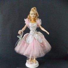 Barbie y Ken: MUÑECA - BARBIE PEPPERMINT ( DULCE DE MENTA, CASCANUECES ) AÑO 2002 CON CERTIFICADO Y PEANA... L48. Lote 170057724