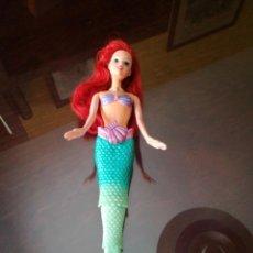 Barbie y Ken: BARBIE ARIEL NADADORA AÑO 2010. FUNCIONA.. Lote 170995110