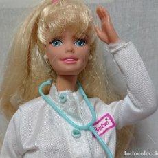 Barbie y Ken: MUÑECA BARBIE VETERINARIA MATTEL AÑOS 90. Lote 171711505