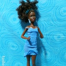 Barbie y Ken: MUÑECA BARBIE NEGRA. Lote 178887337
