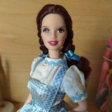 Barbie y Ken: PRECIOSA BARBIE COMO DOROTHY DE EL MAGO DE OZ COLLECTOR MATTEL WIZARD OF OZ. Lote 173590925