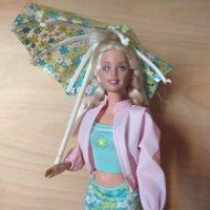 Barbie y Ken: PRECIOSA BARBIE RAIN OR SUN AÑOS 2000 MATTEL. Lote 172582658