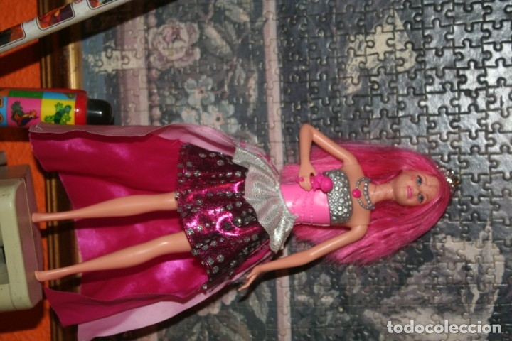 Barbie y Ken: muñeca Barbie Campamento Pop Courtney rock´n royals - Foto 4 - 174055183