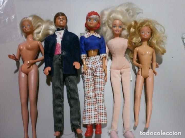 LOTE DE BARBIE Y SIMILARES (Juguetes - Muñeca Extranjera Moderna - Barbie y Ken)