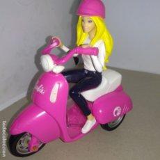 Barbie y Ken: MUÑECA BARBIE EN MOTO. Lote 177076352