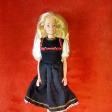 Barbie y Ken: PRECIOSA BARBIE FASHION PLAY RUBIO OSCURO 1966 HONG KONG. Lote 177703859