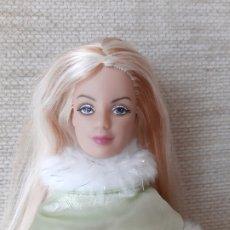 Barbie y Ken: MUÑECA BARBIE VESTIDA DE PRINCESA MOLDE MACKIE. Lote 179169843