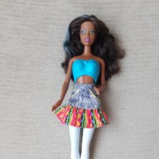 Barbie y Ken: MUÑECA BARBIE NIKKIE MULATA NEGRA MORENA AA VESTIDA. Lote 179170080
