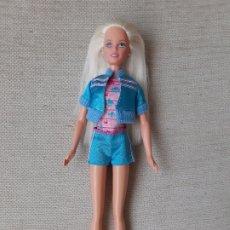 Barbie y Ken: MUÑECA TEEN SKIPPER HERMANA BARBIE VESTIDA. Lote 179170501