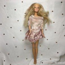 Barbie y Ken: MUÑECA BARBIE DE MATTEL. Lote 185722872