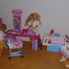 Barbie y Ken: LOTE BARBIE MATTEL ANTIGUA SUPERMERCADO AÑOS 90 MATTEL CON MUÑECAS ROPA Y ACCESORIOS. Lote 187521196